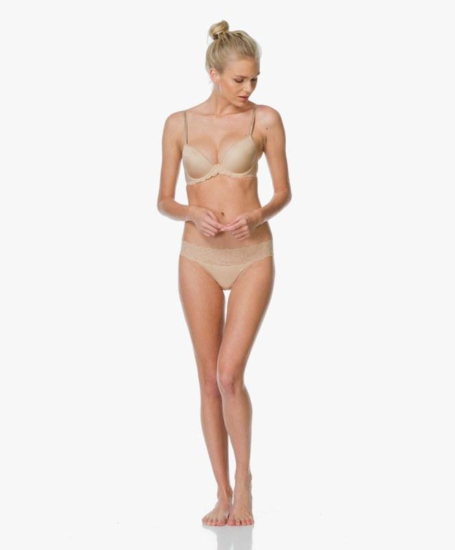 dddf55a65 Podprsenka s kosticí model 5193921 tělová - Calvin Klein - Dámské ...